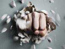 Sanascope: Clutter-Breaking Content Calling