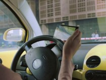 Etisalat Advises To Drive With A Smile, Not Mobile
